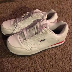 Fila tennis shoes white woman's 7 1/2 new sneakers